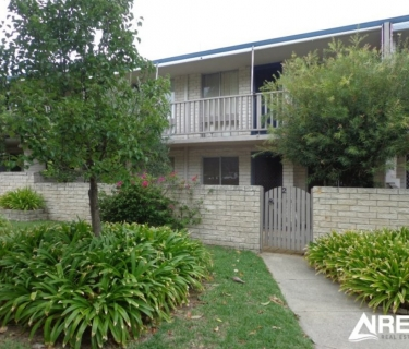 FABULOUS Ground Floor 2 Bedroom Unit!