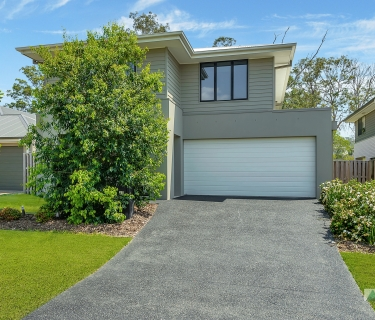IMMACULATE METRICON HOME