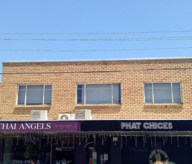 CENTRALLY LOCATED IN HOOD OF WEST FOOTSCRAY