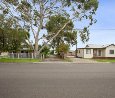 Two Homes On A Huge 2,592 Sqm Approx